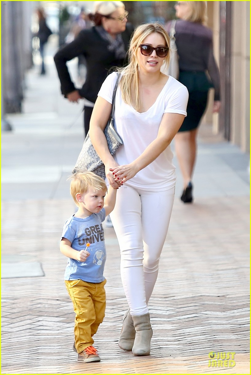 hilary duff its a great universe with luca 083043155