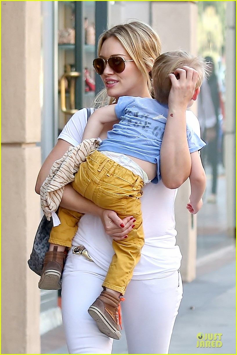 hilary duff its a great universe with luca 123043159