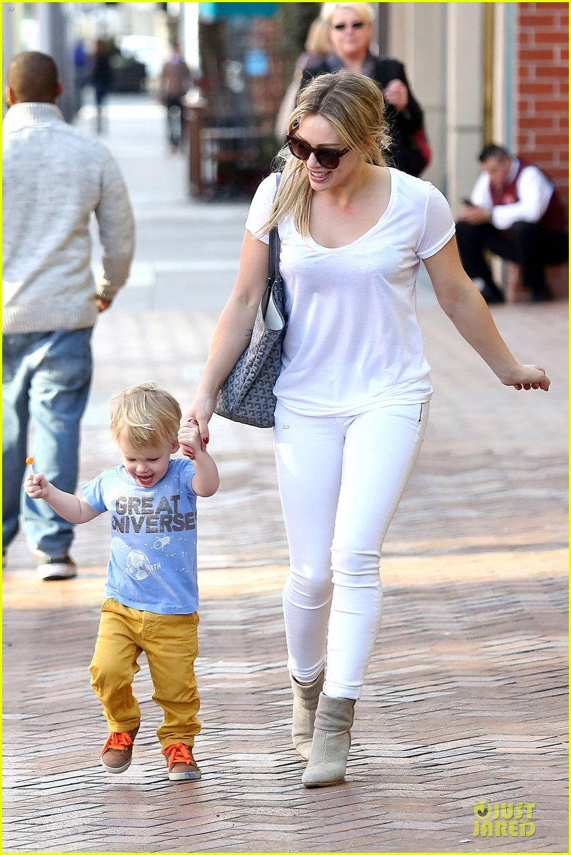 hilary duff its a great universe with luca 143043161