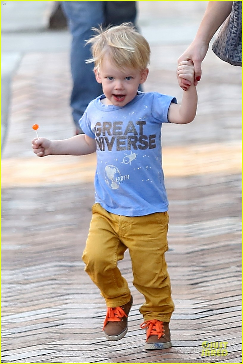 hilary duff its a great universe with luca 153043162