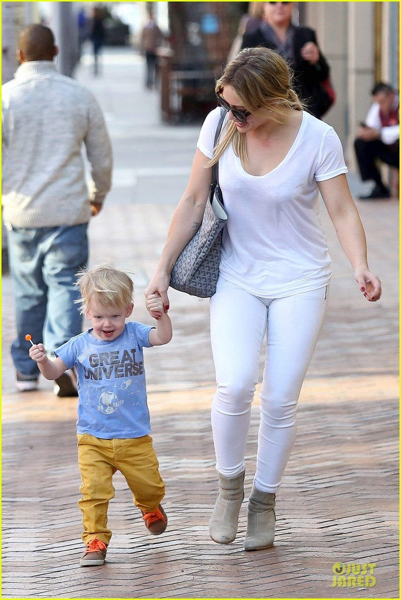 hilary duff its a great universe with luca 17