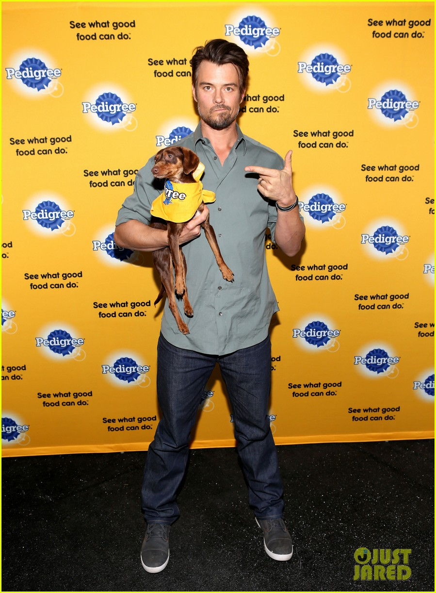 josh duhamel back in la after teaming up with pedigree at sundance 03