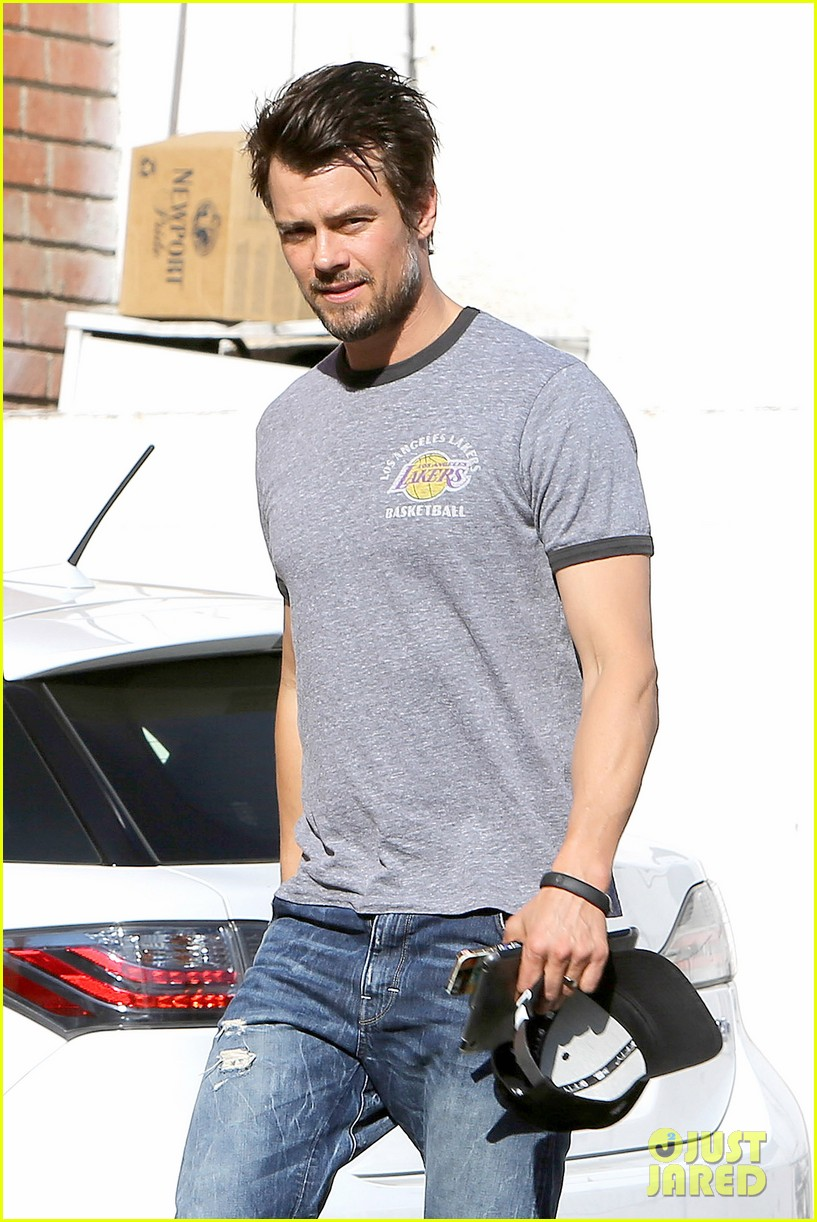 josh duhamel back in la after teaming up with pedigree at sundance 08
