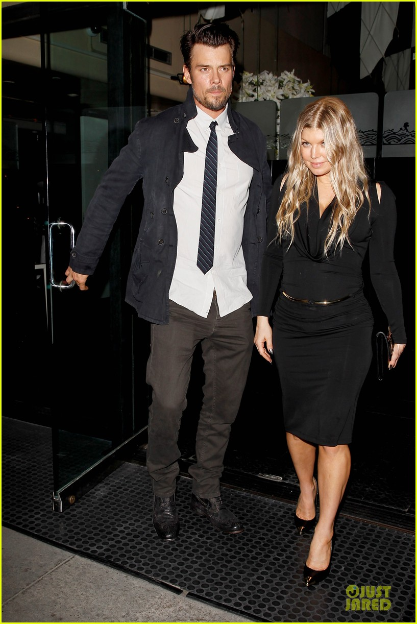 fergie josh duhamel celebrate fifth wedding anniversary 013027845