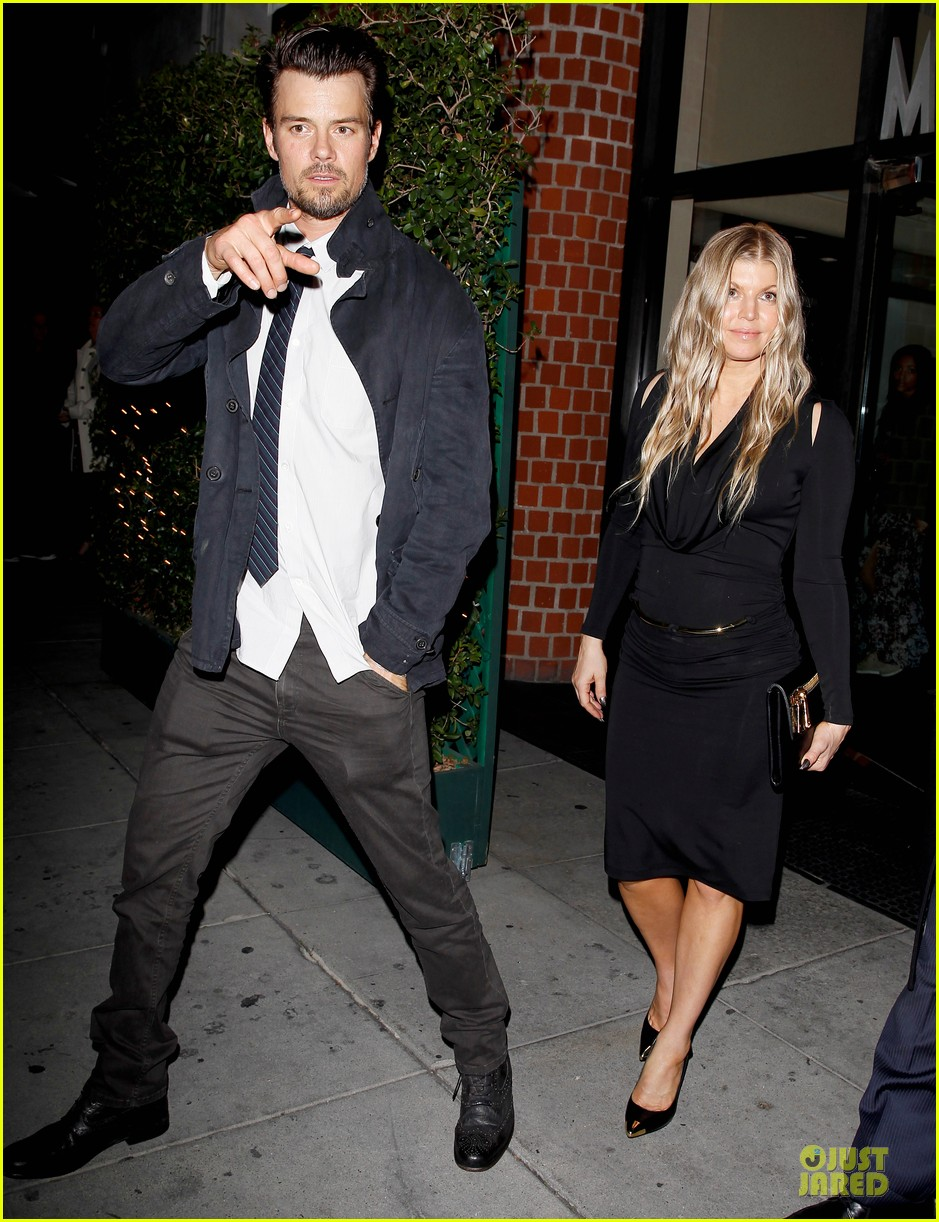 fergie josh duhamel celebrate fifth wedding anniversary 033027847