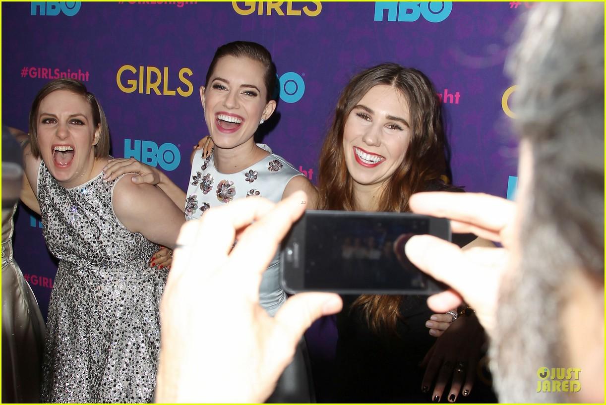 lena dunham zosia mamet girls third season premiere 16