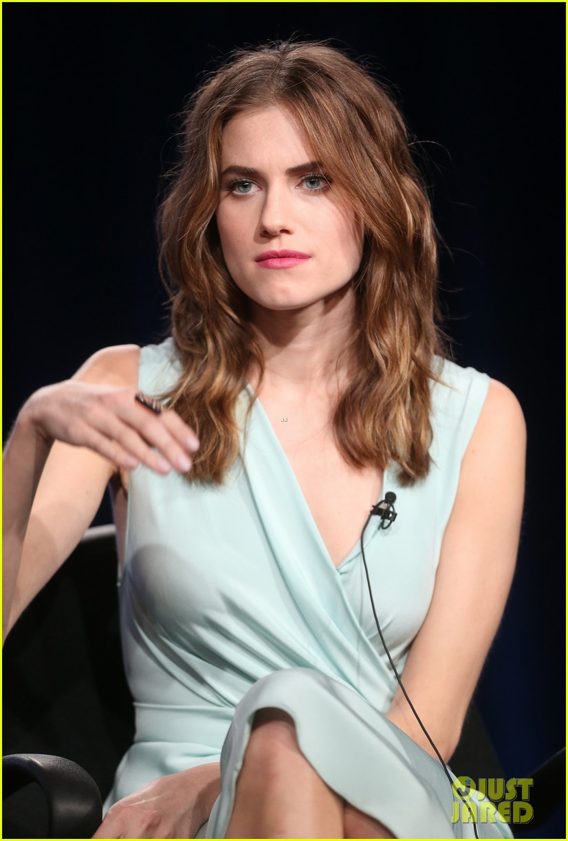 lena dunham allison williams girls tca winter tour panel 083026617