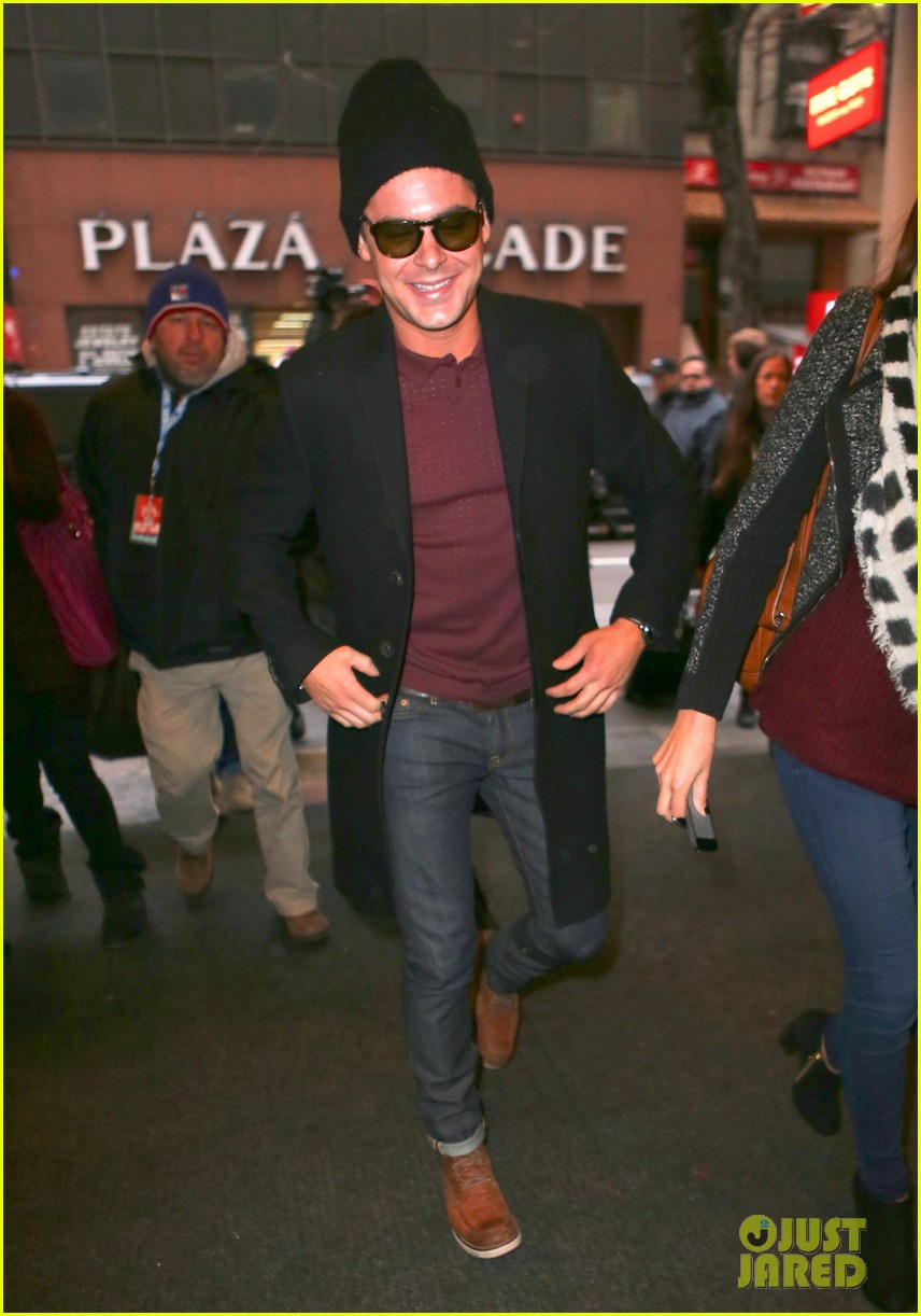 zac efron braves snow for today show visit 063037072