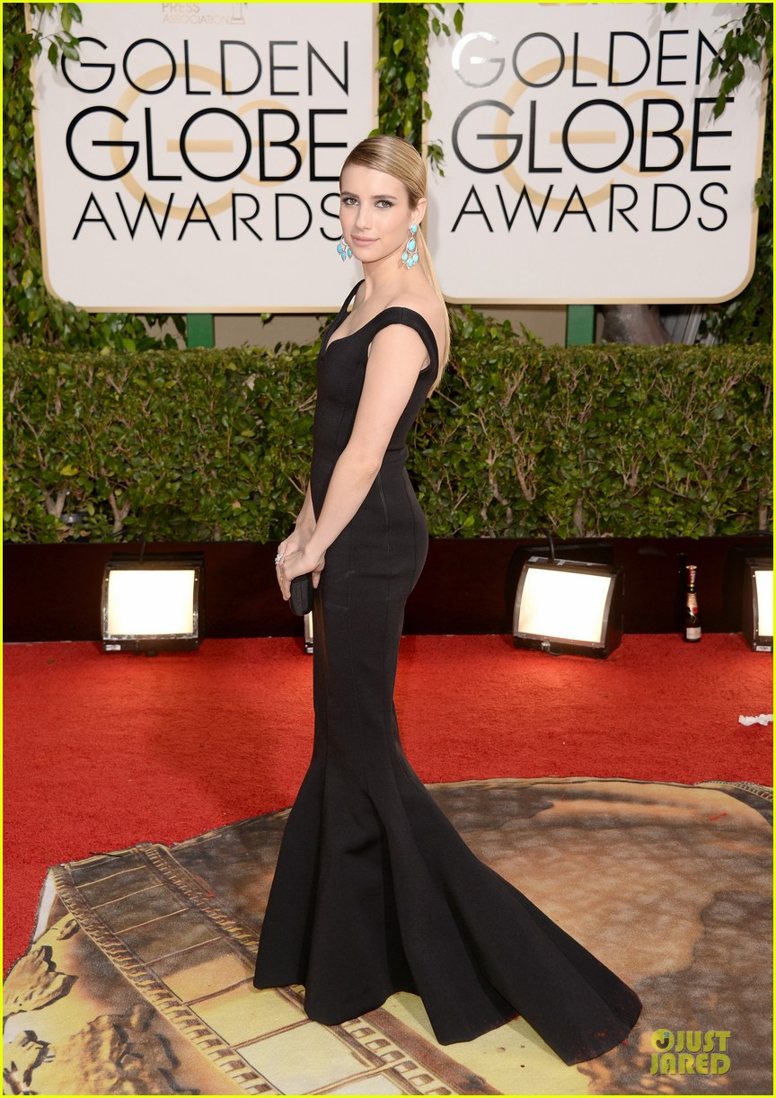 emma roberts golden globes 2014 red carpet 063029408