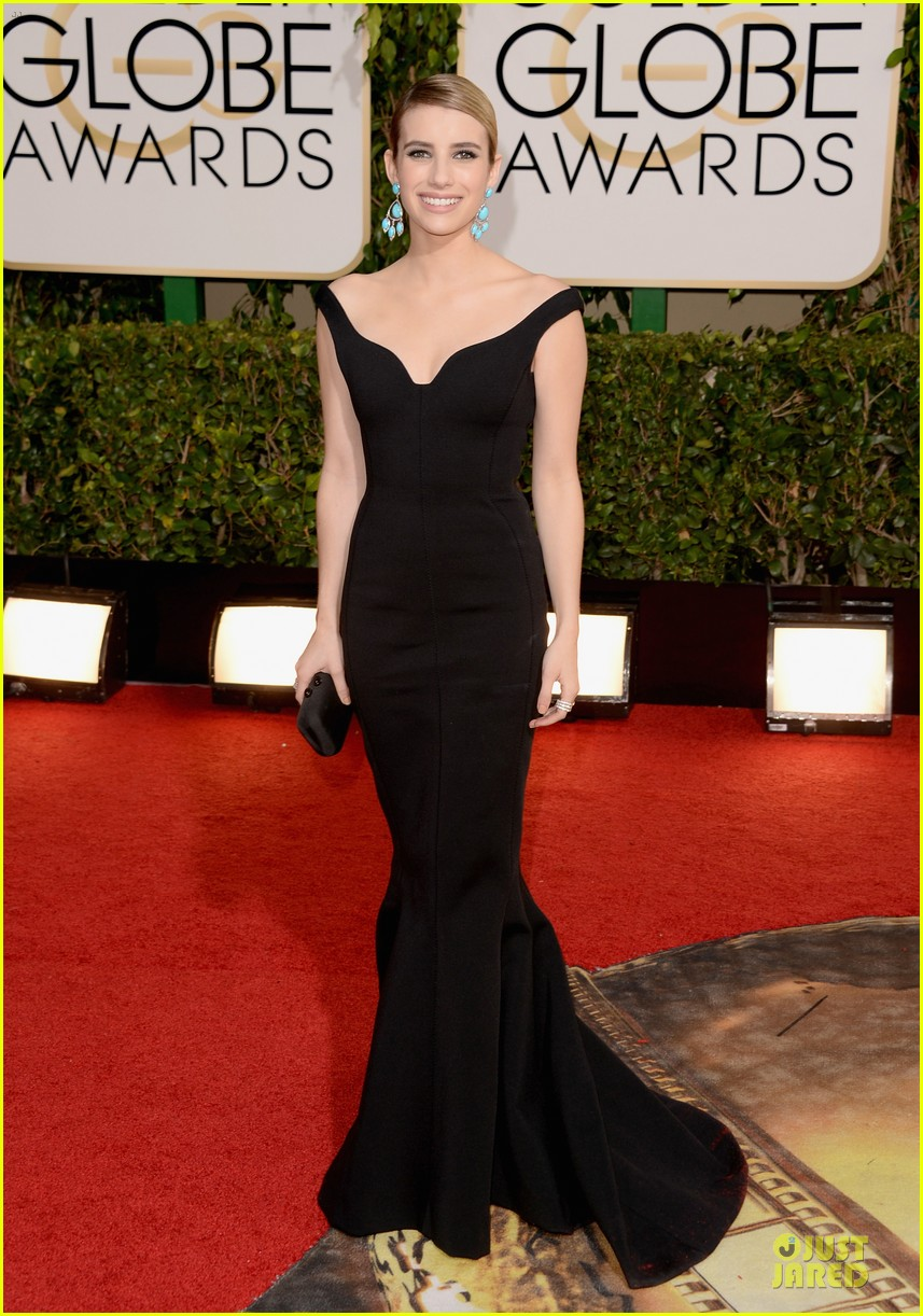 emma roberts golden globes 2014 red carpet 113029413
