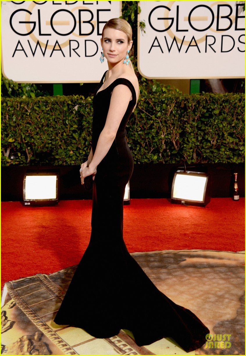 emma roberts golden globes 2014 red carpet 123029414
