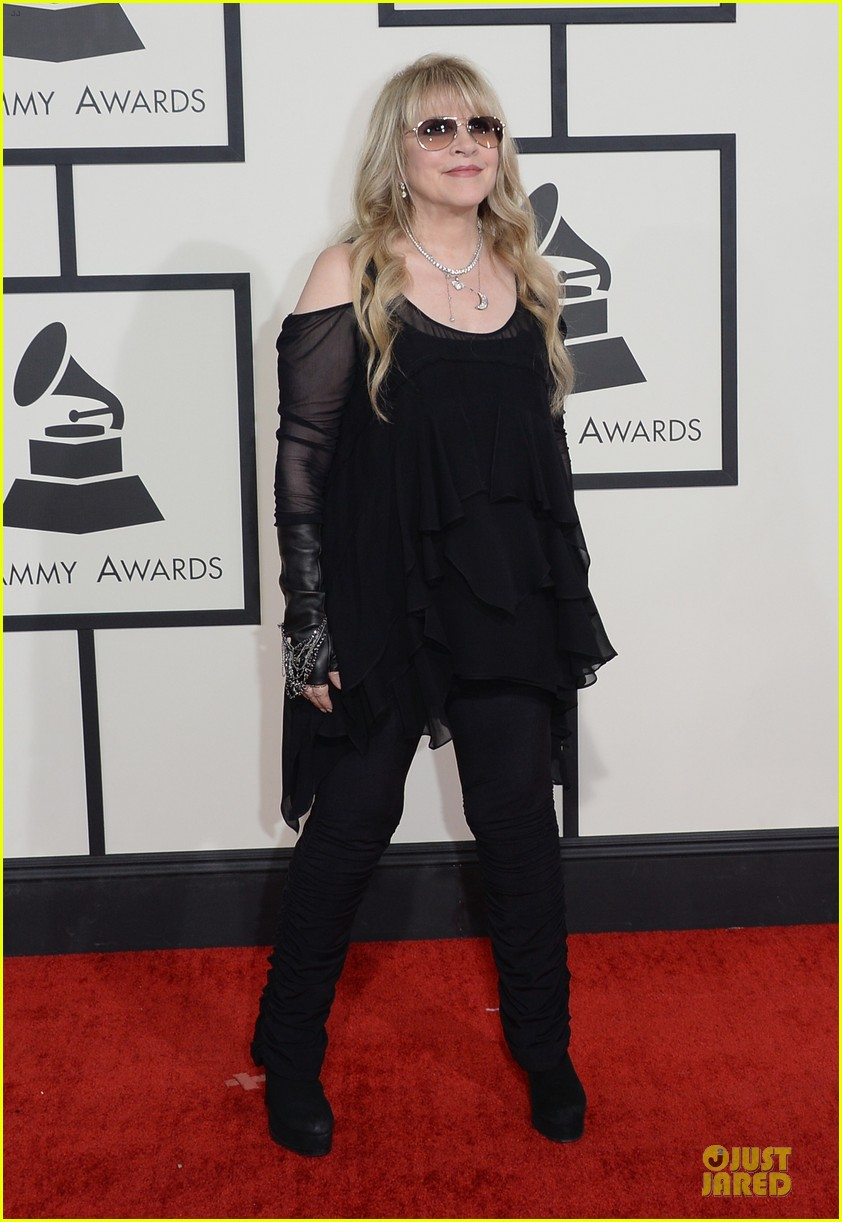 gloria estefan stevie nicks grammys 2014 red carpet 143041635
