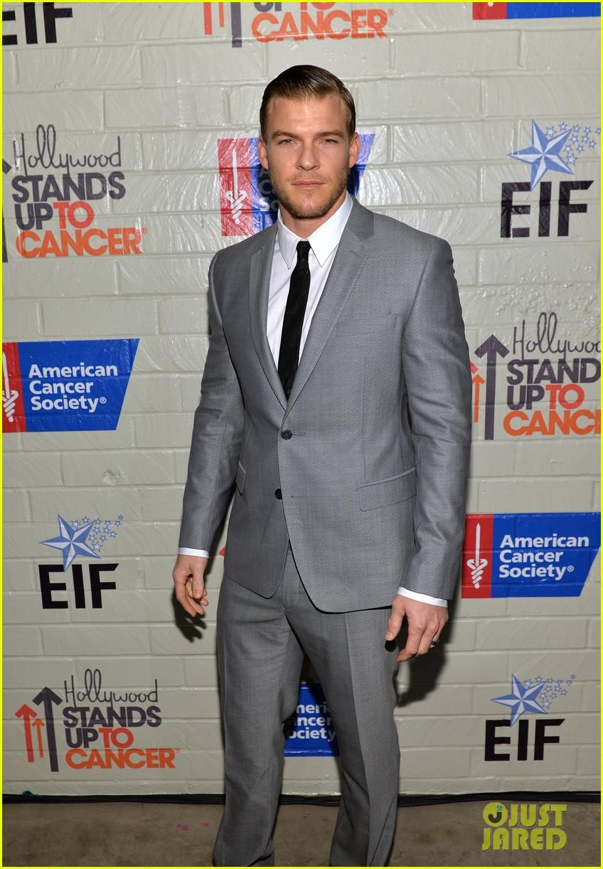 chris evans jamie foxx hollywoods hunks fight cancer 103043352