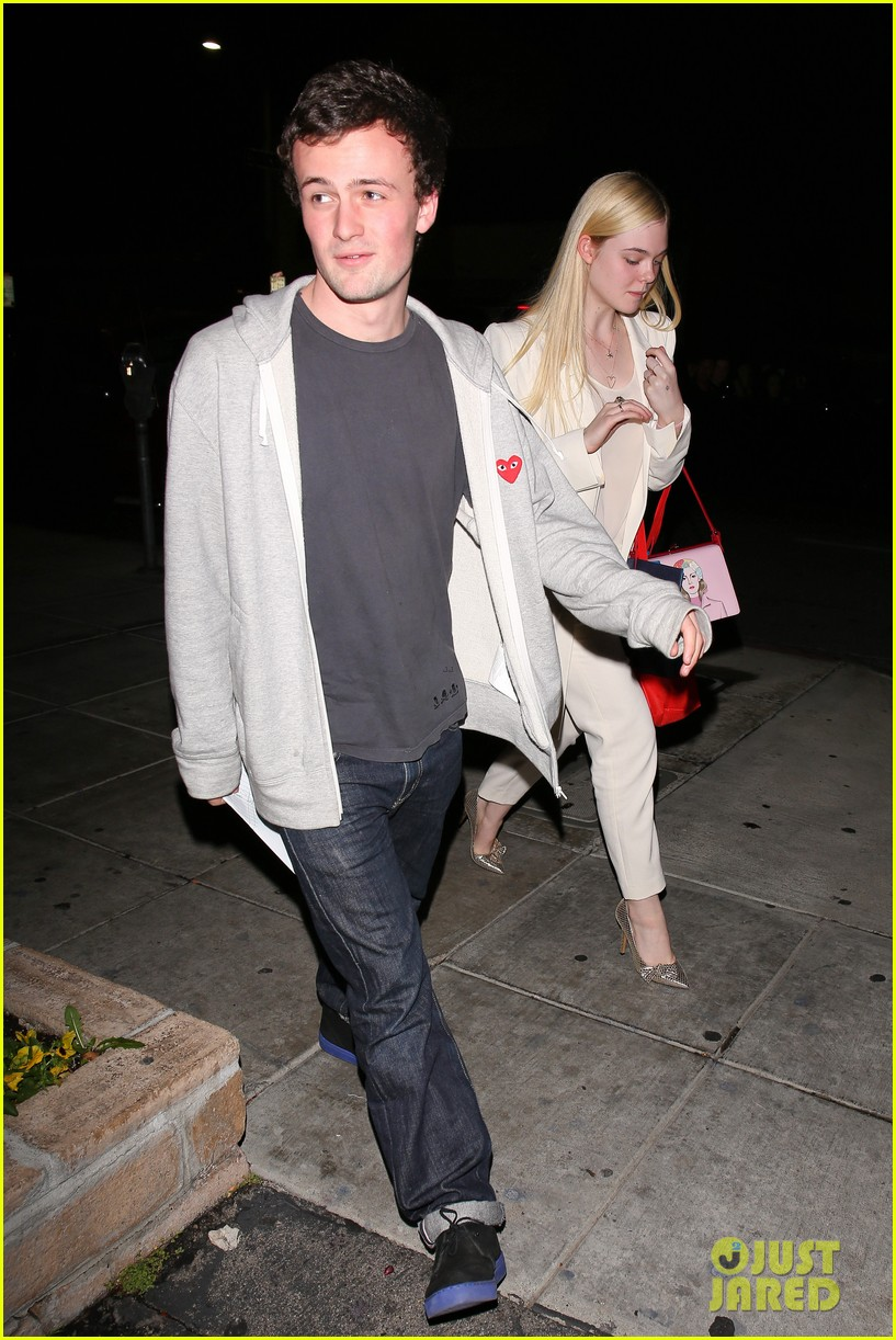 elle fanning matsuhisa dinner date with male friend 04