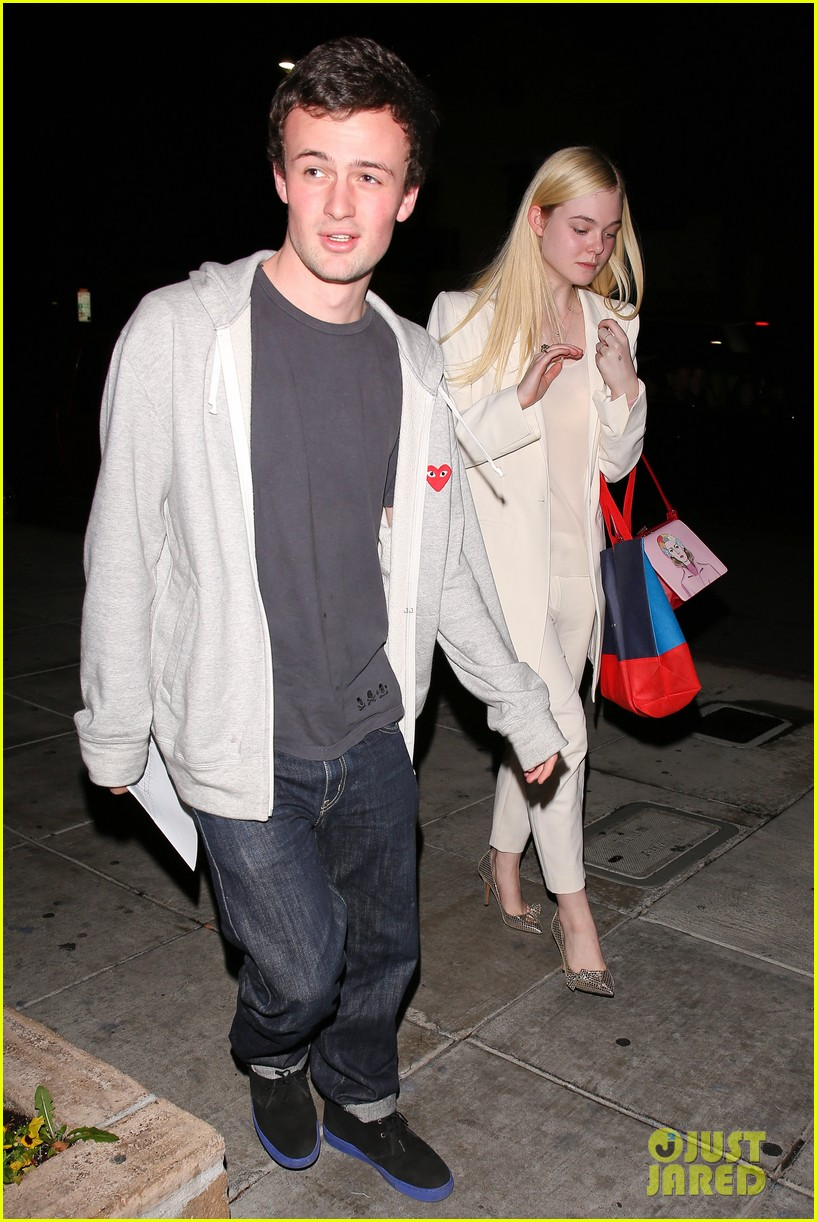 elle fanning matsuhisa dinner date with male friend 083042212