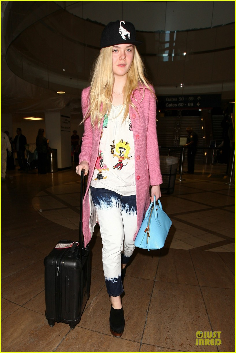 elle fanning wraps up sundance promo with lax landing 063037428