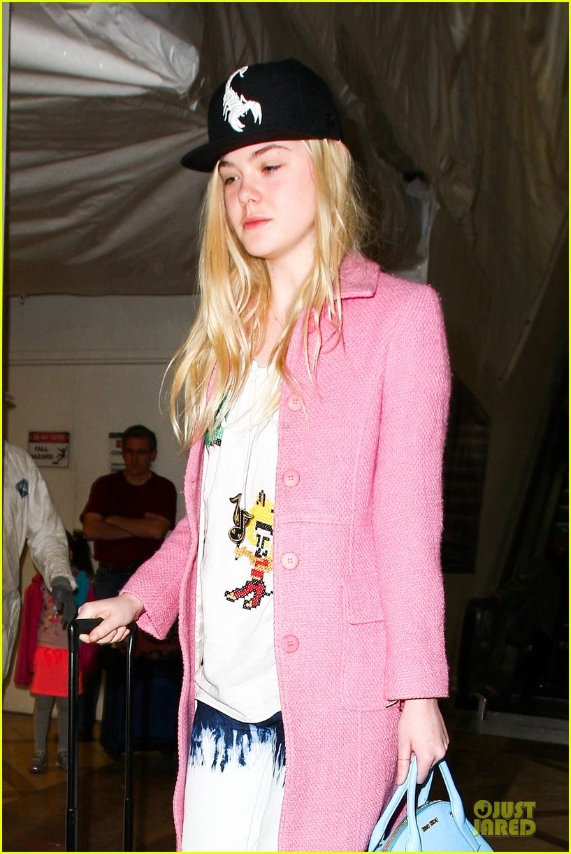 elle fanning wraps up sundance promo with lax landing 073037429