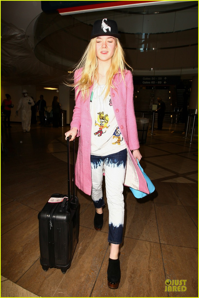 elle fanning wraps up sundance promo with lax landing 09