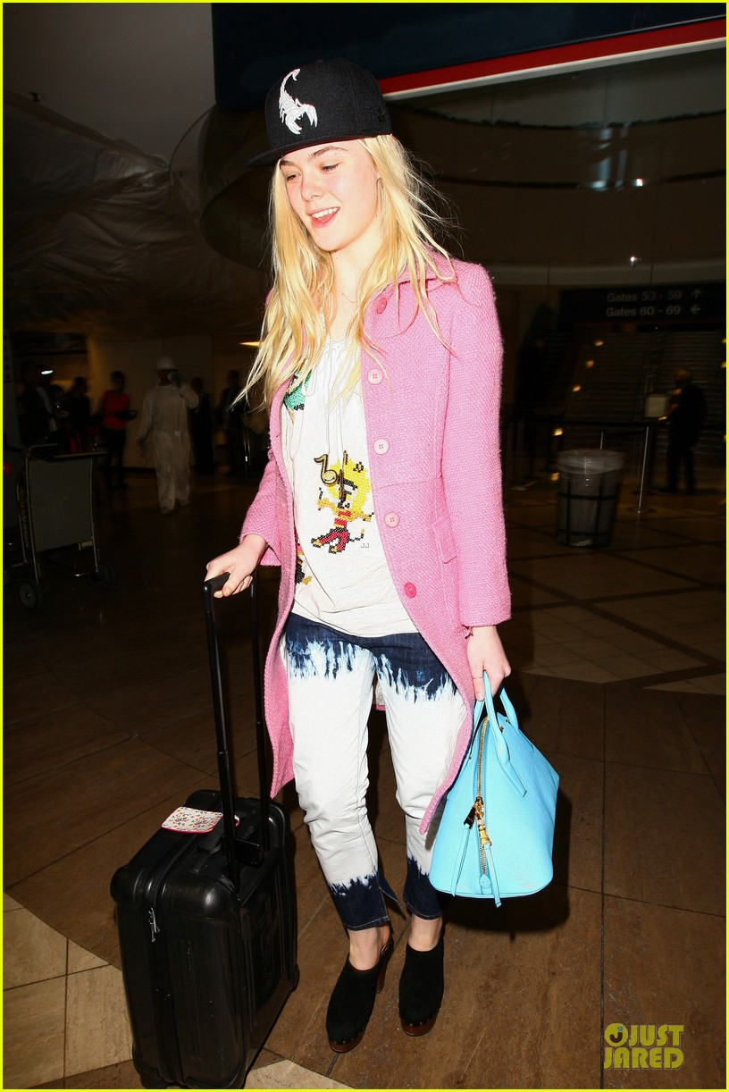 elle fanning wraps up sundance promo with lax landing 103037432