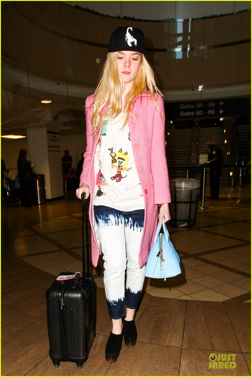 elle fanning wraps up sundance promo with lax landing 12
