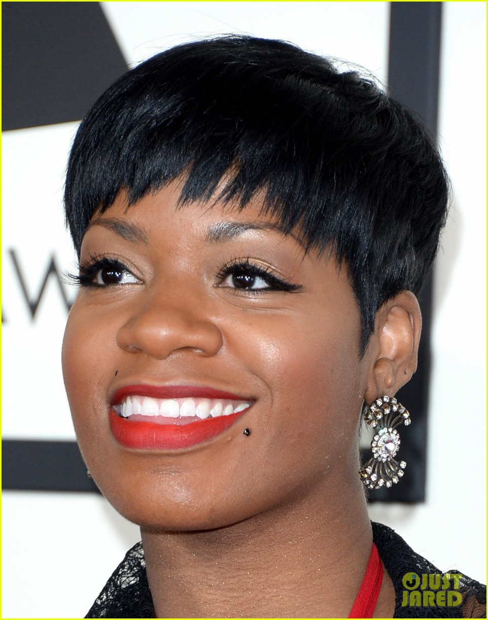fantasia barrino grammys 2014 red carpet 023040877