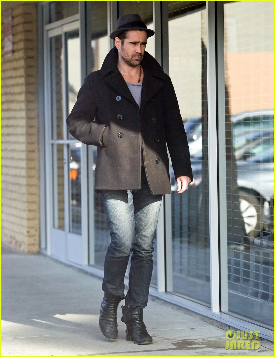 colin farrell wears his fedora peacoat for coffee run 013039336