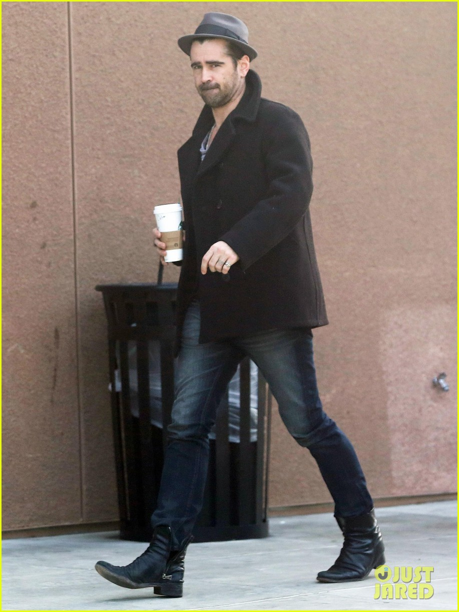colin farrell wears his fedora peacoat for coffee run 043039339