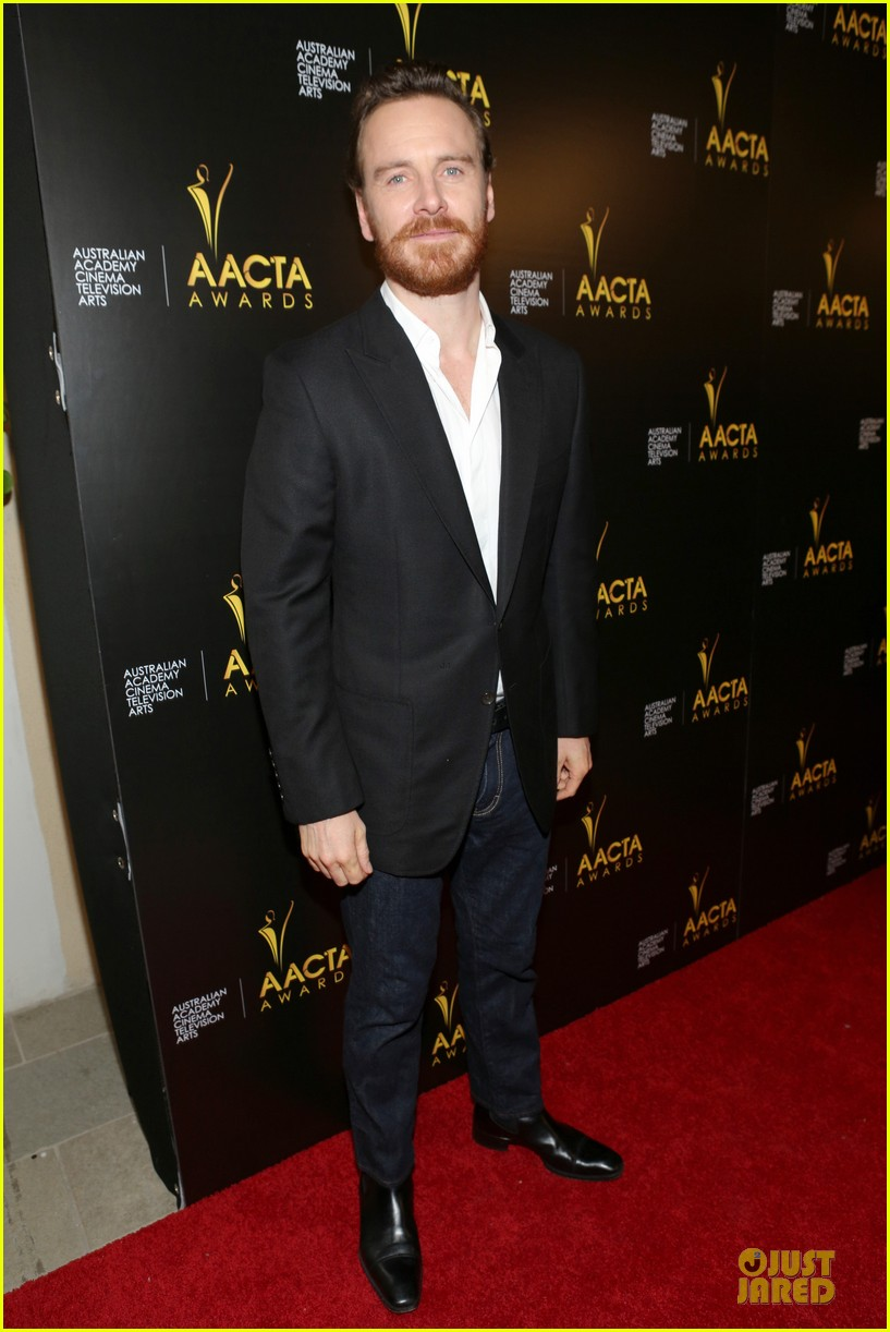 michael fassbender chiwetel ejiofor winners at aacta awards 2014 013027665