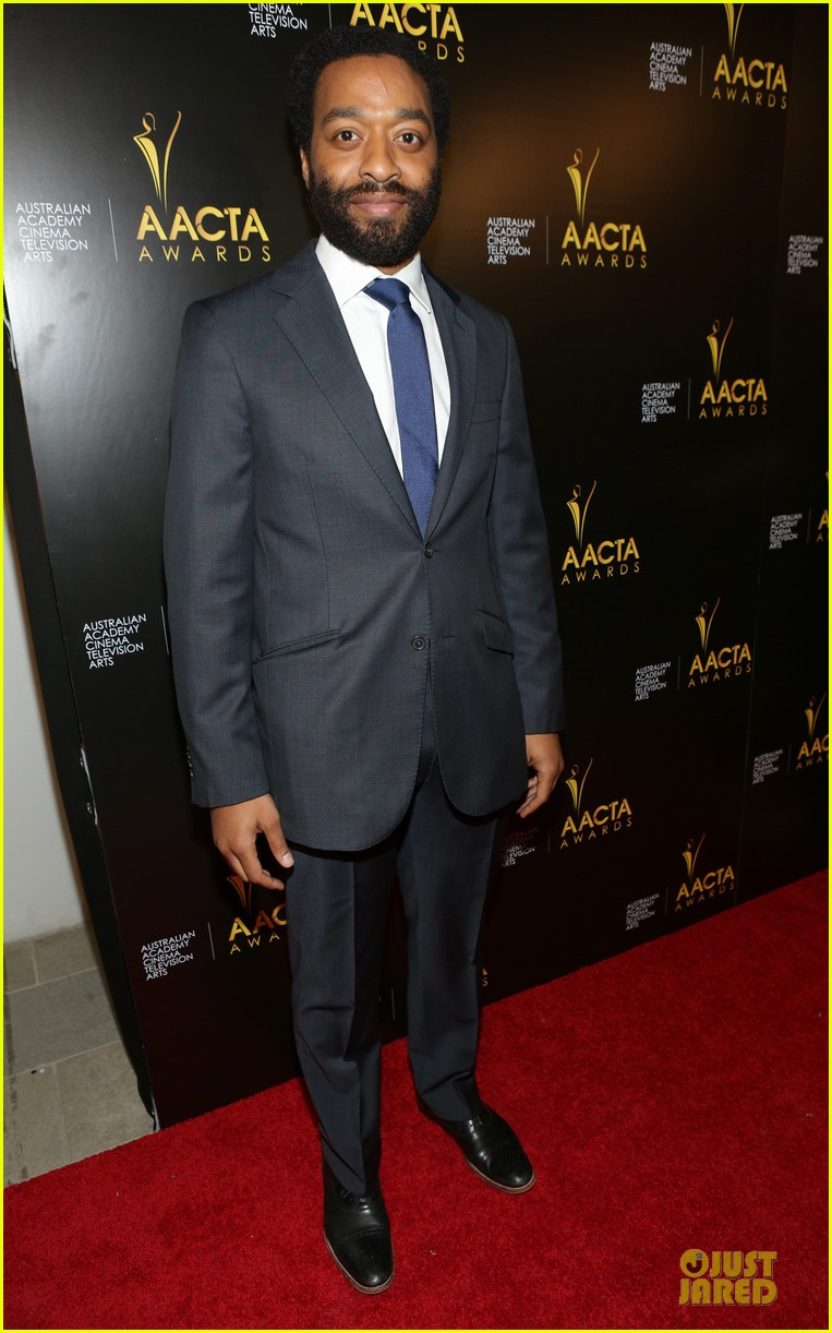 michael fassbender chiwetel ejiofor winners at aacta awards 2014 103027674