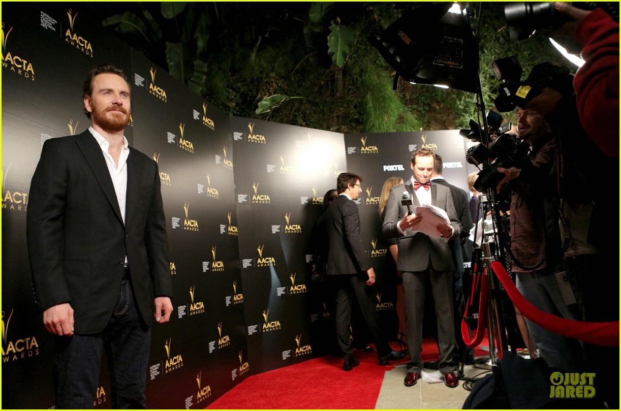 michael fassbender chiwetel ejiofor winners at aacta awards 2014 203027684