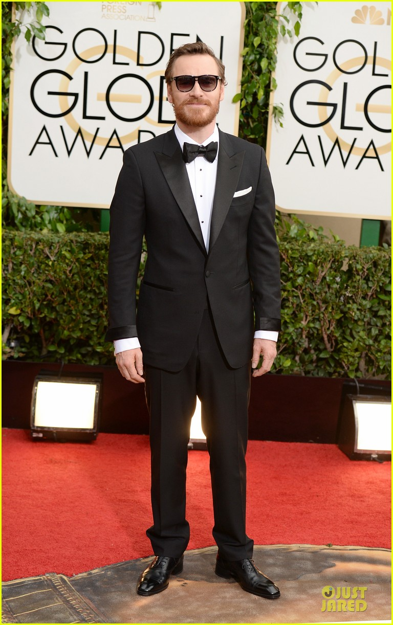 michael fassbender golden globes 2014 red carpet 013029206