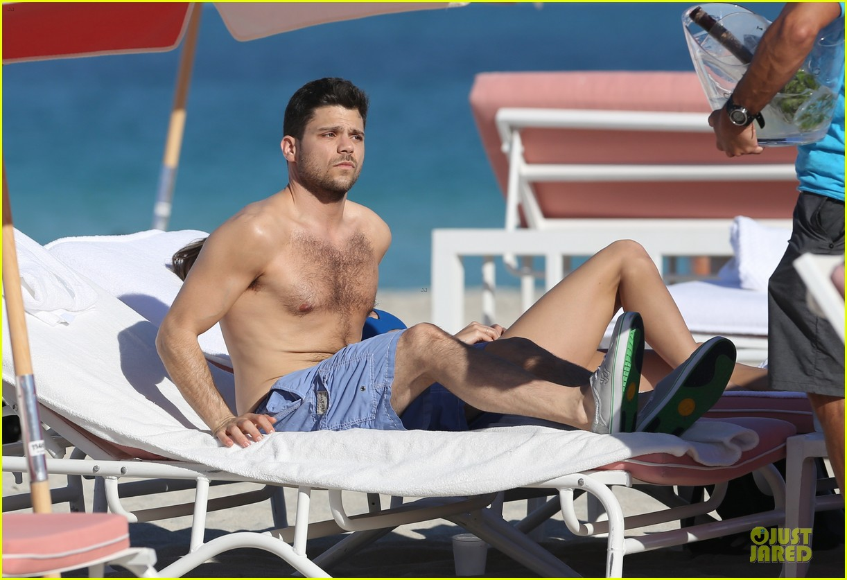jerry ferrara shirtless miami beach lounging with girlfriend 023036109