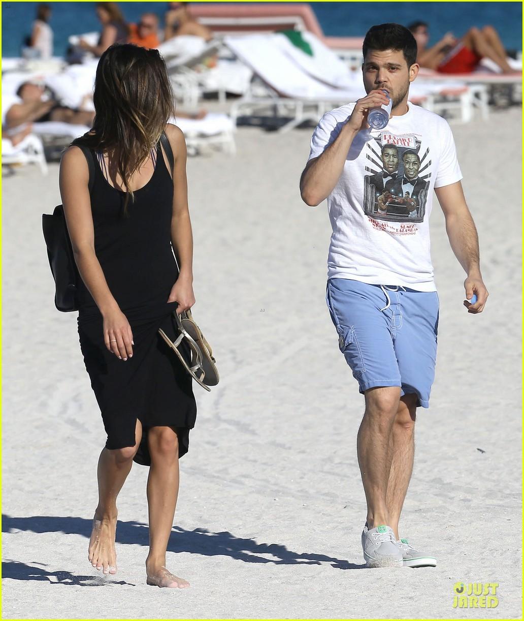 jerry ferrara shirtless miami beach lounging with girlfriend 14