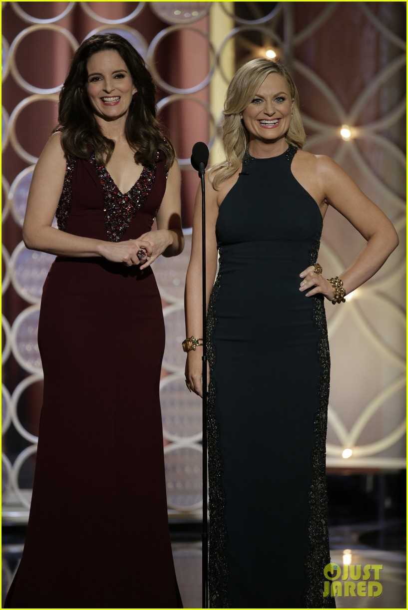 tina fey amy poehler golden globes opening monologue video watch now 013029560