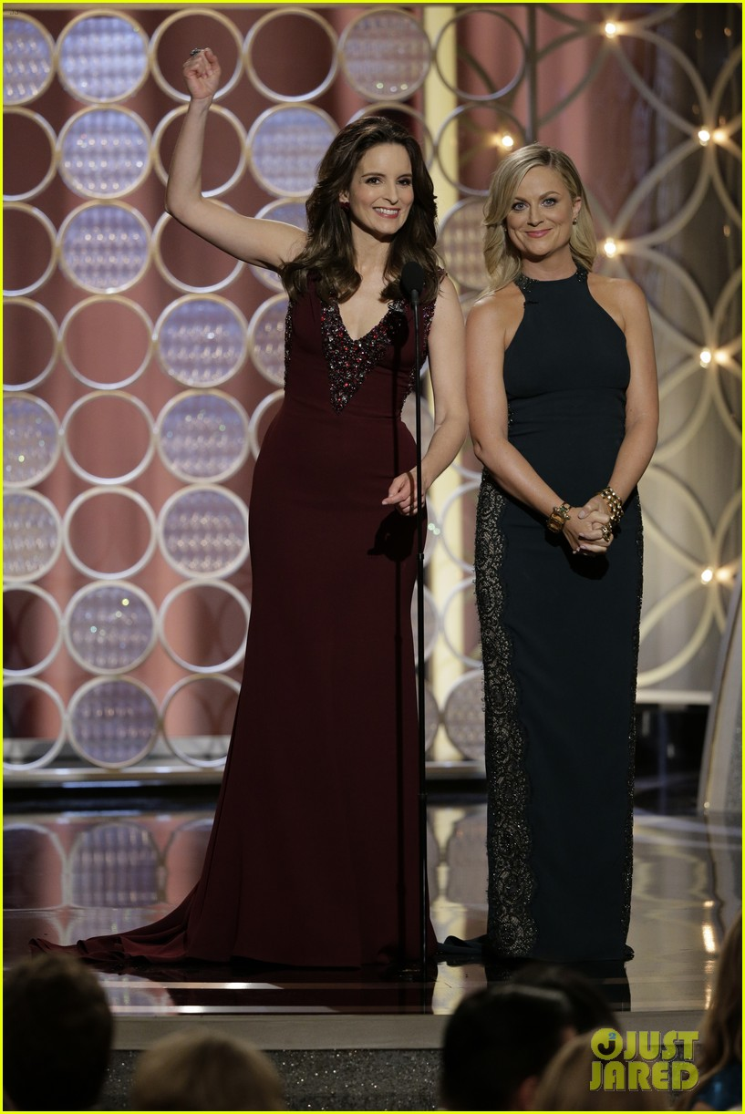tina fey amy poehler golden globes opening monologue video watch now 033029562