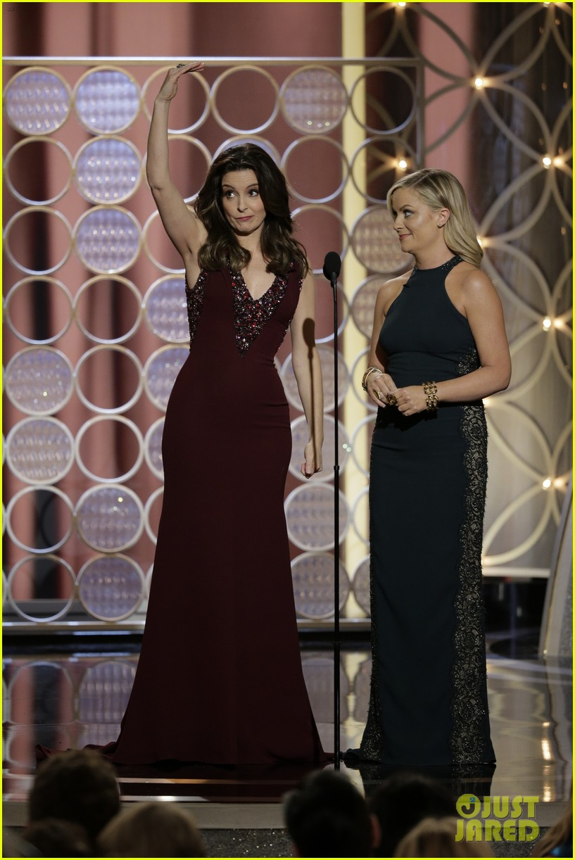 tina fey amy poehler golden globes opening monologue video watch now 073029566