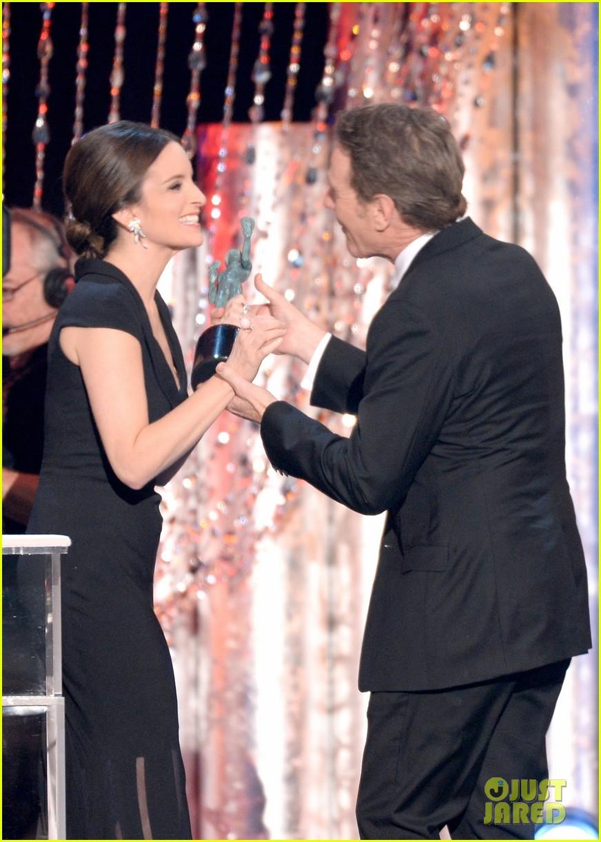 tina fey brings daughter alice to sag awards 2014 023034991