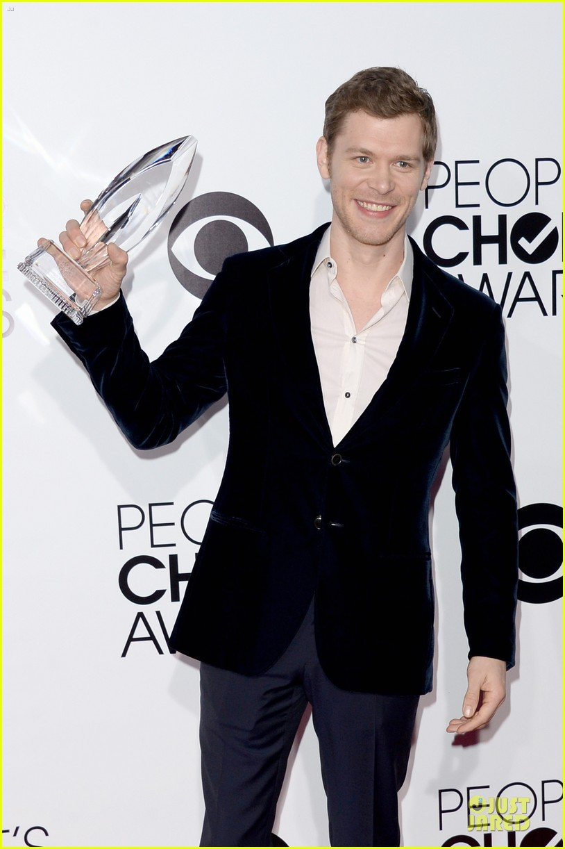 olga fonda joseph morgan peoples choice awards 2014 04