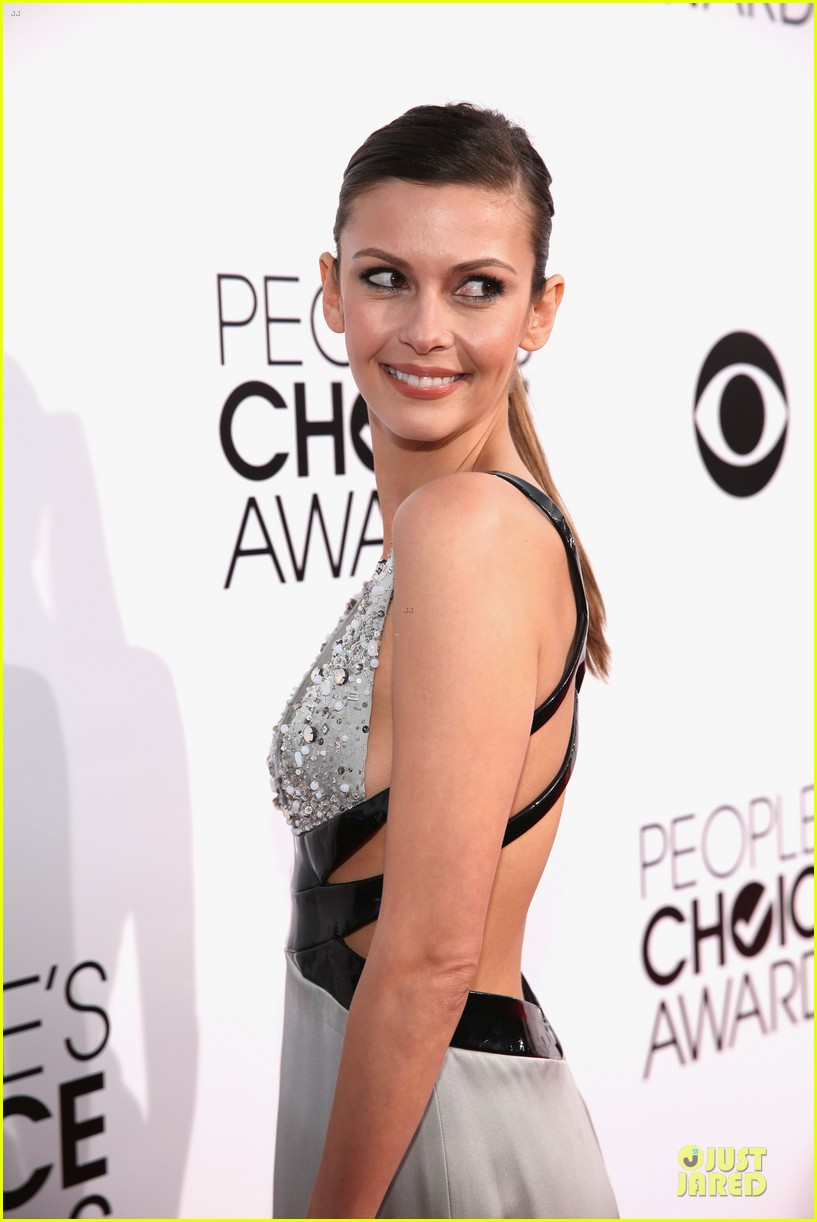 olga fonda joseph morgan peoples choice awards 2014 07