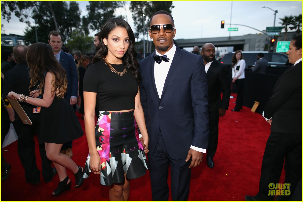 jamie foxx mack wilds grammys 2014 red carpet 03