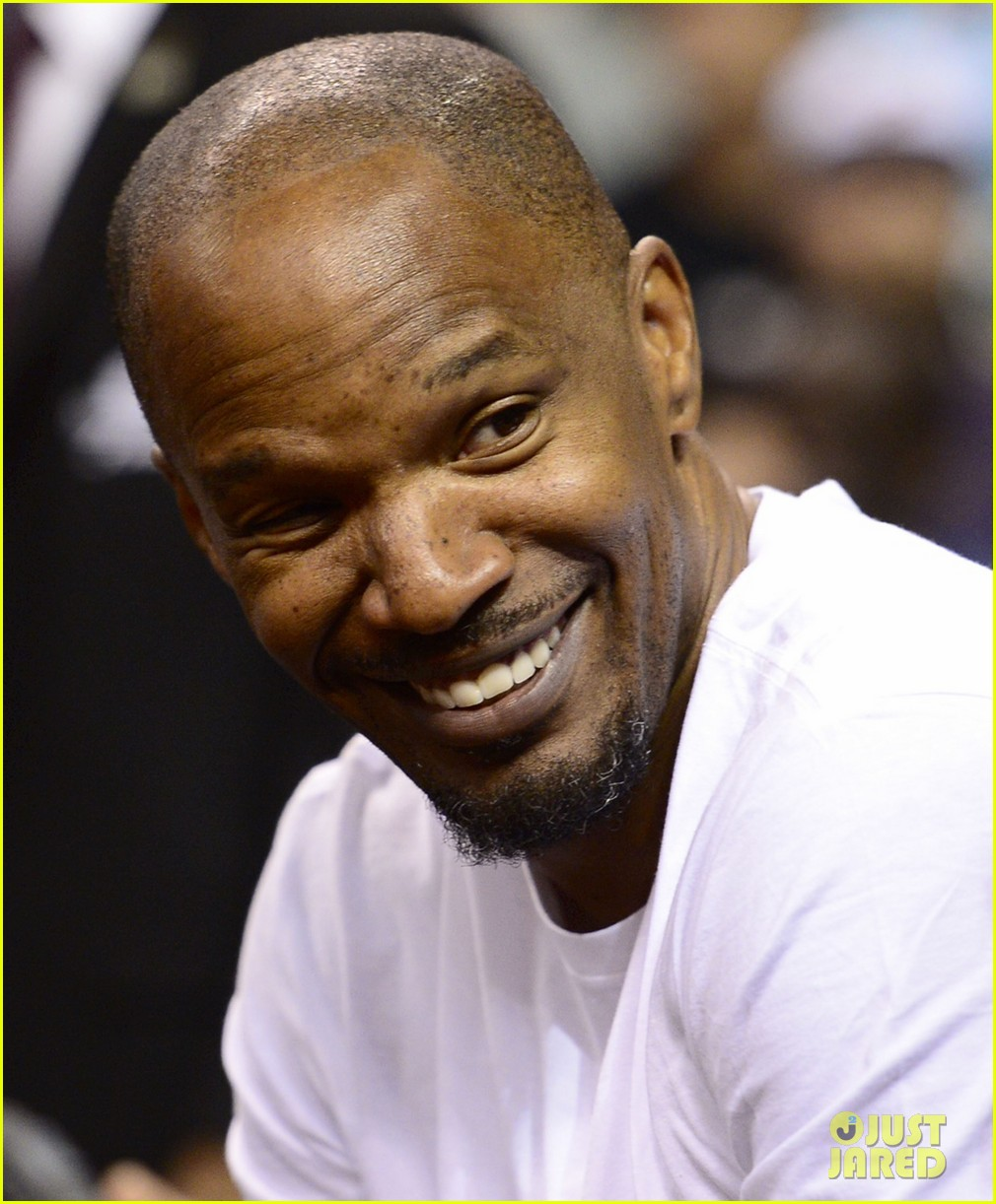 jamie foxx courtside at miami heat game 03