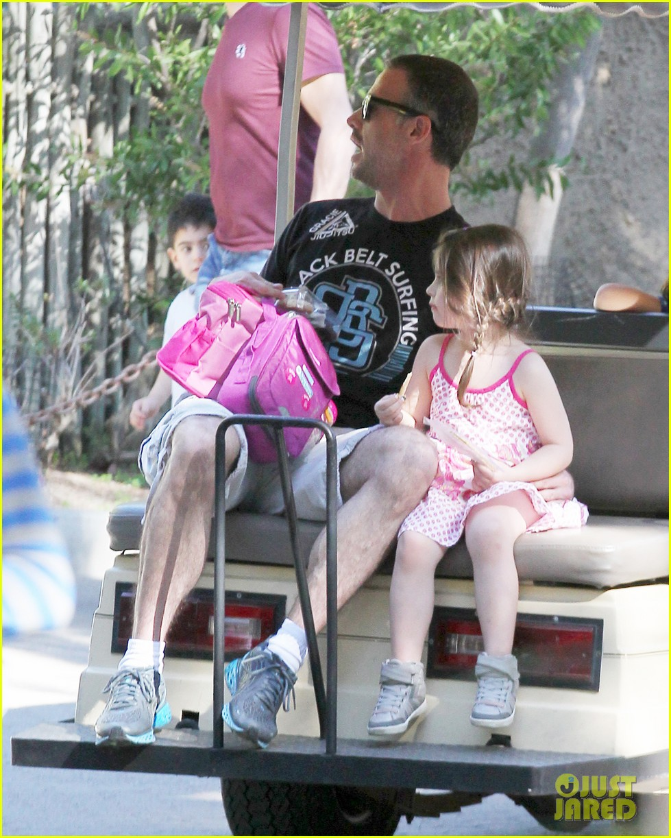 freddie prinze jr charlotte have father daughter zoo date 023037101