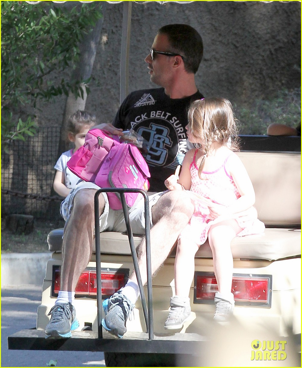 freddie prinze jr charlotte have father daughter zoo date 053037104