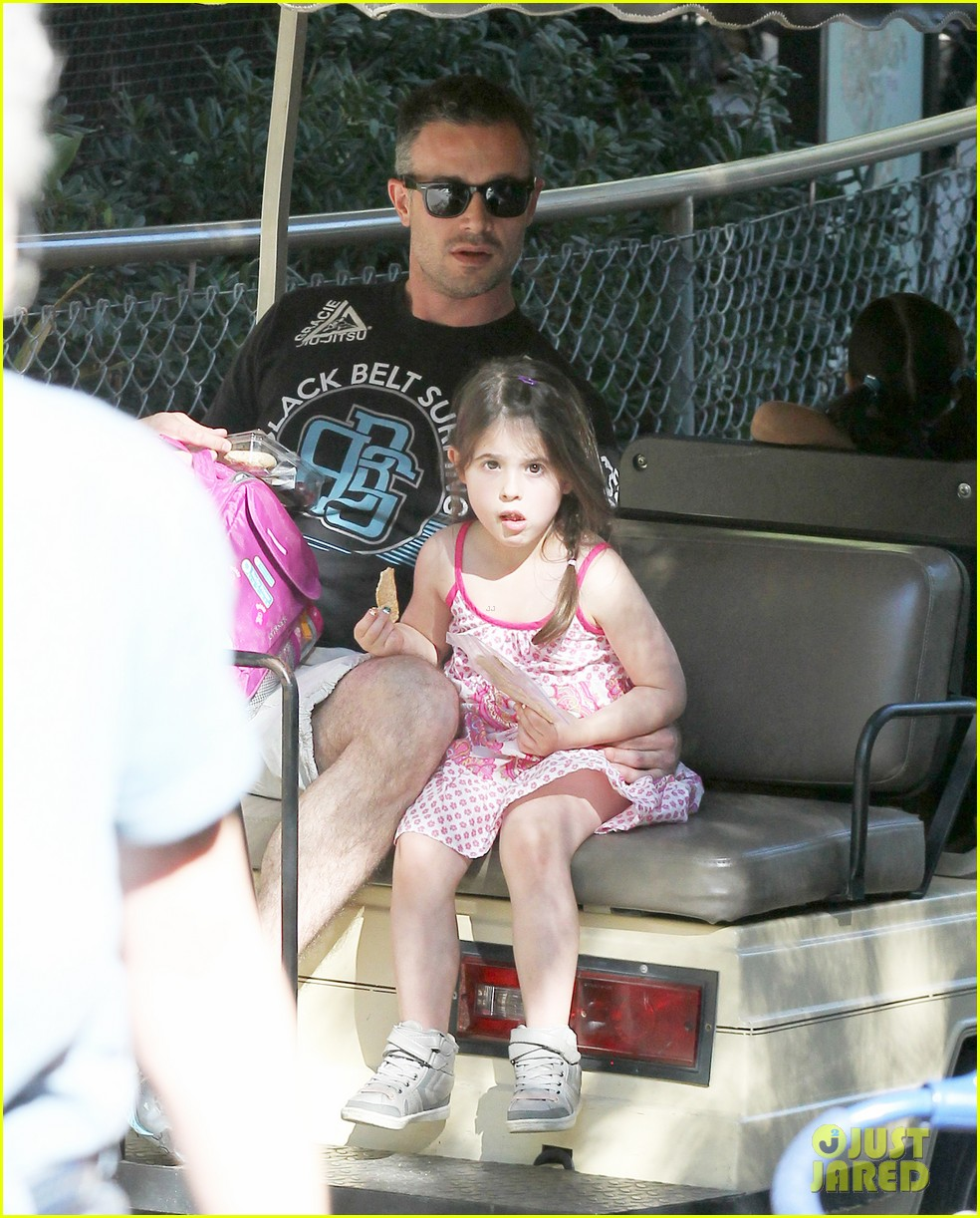 freddie prinze jr charlotte have father daughter zoo date 073037106