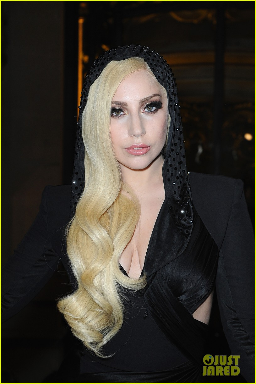 lady gaga front row at atelier versace paris show 023035485