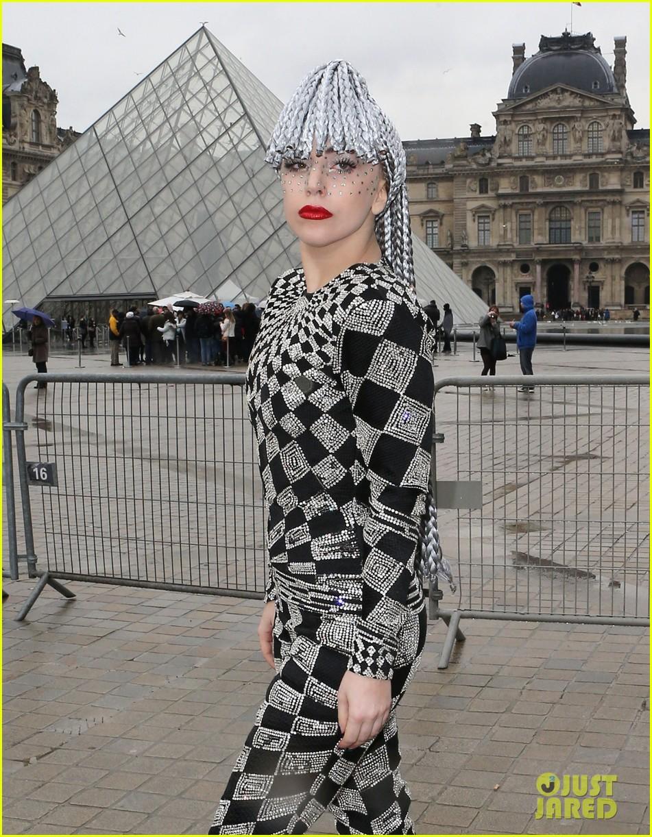 lady gaga visits museums during paris trip 083036317