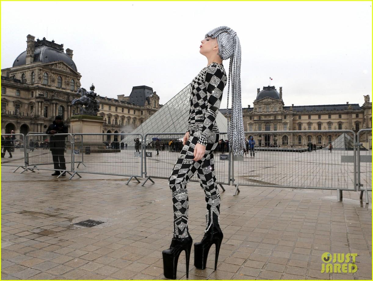lady gaga visits museums during paris trip 093036318