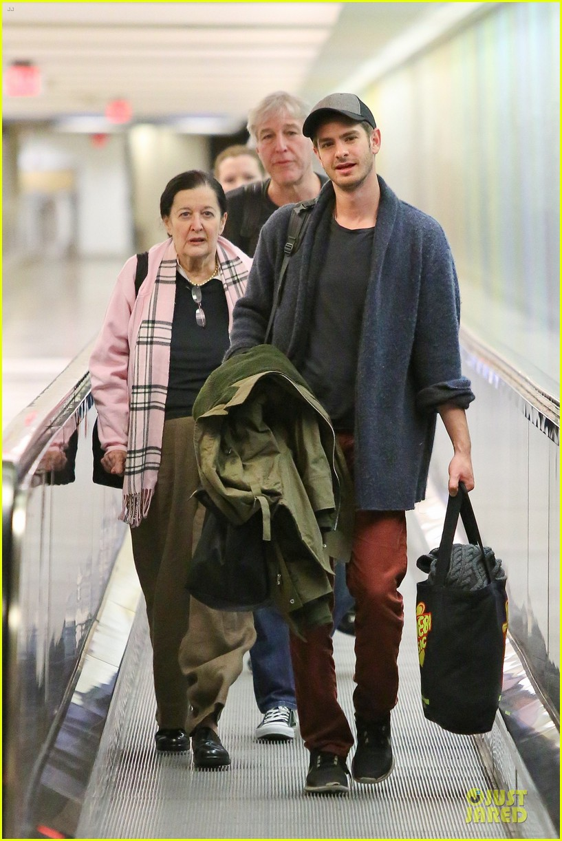andrew garfield poses with spiderman fan at lax airport 233042327