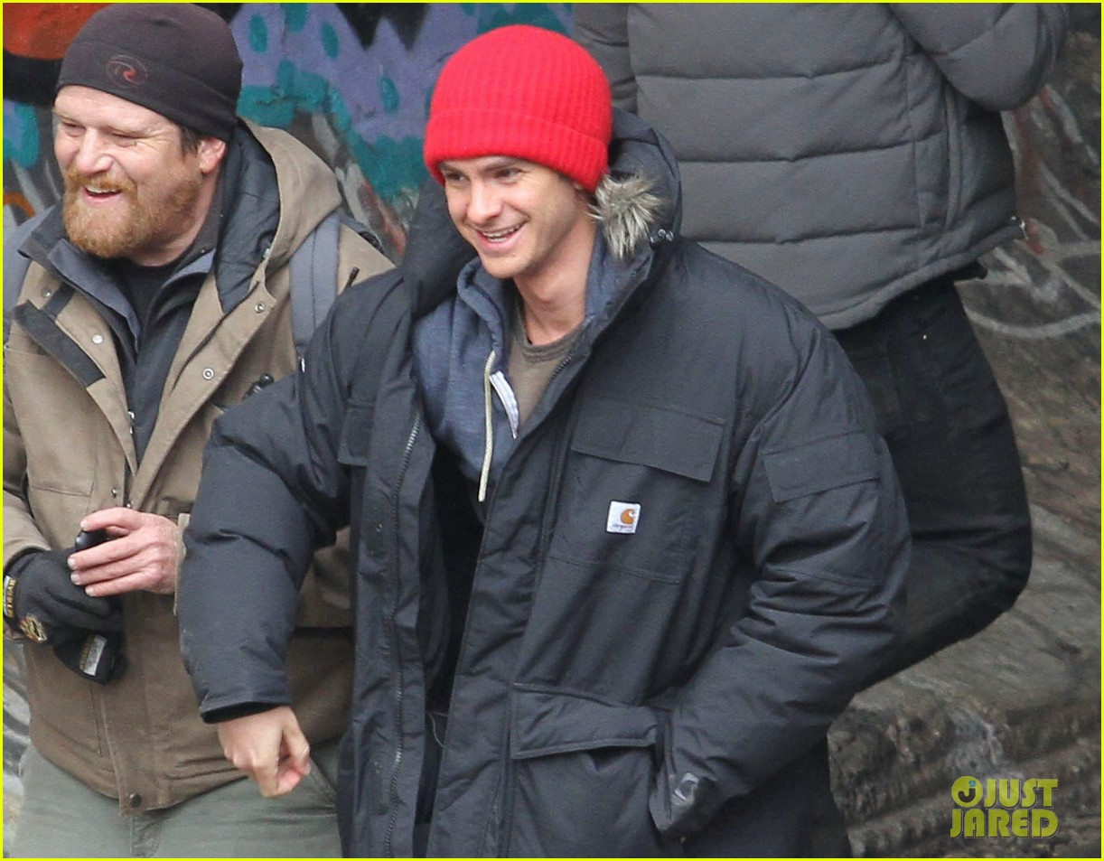 andrew garfield shoots reshoots for amazing spider man 2 043037035