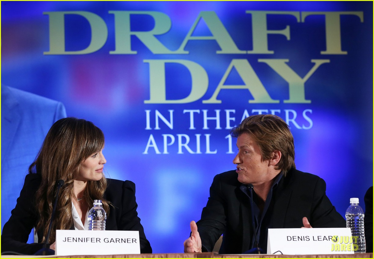 jennifer garner kevin costner draft day super bowl commercial watch now 15
